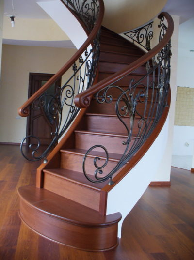 Как сделать декоративную отделку бетонной лестницы в частном доме