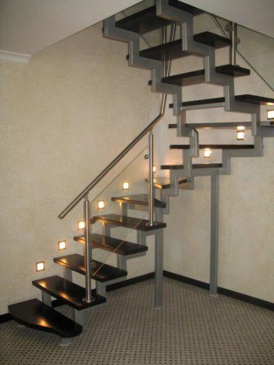 Из чего состоят лестницы: основные и второстепенные детали конструкции