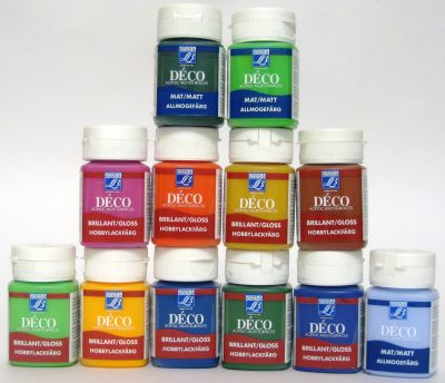 Различные варианты красок, которые могут быть использованы для покраски дверных полотен