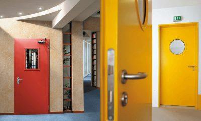 Металлические противопожарные двери – решение для интерьера