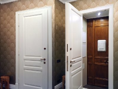 Классическая дверь с накладкой