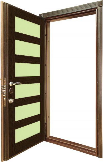 Дверь, имеющая внутреннюю бронированную накладку