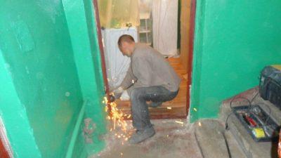 Демонтаж дверного короба