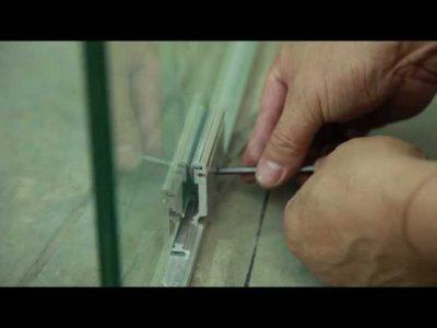 Монтаж фурнитуры для стеклянной створки