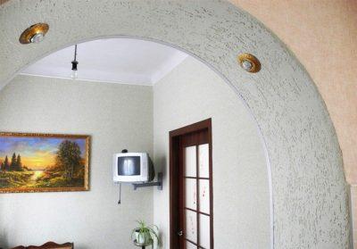 Рис. 19 – Проем арки с короедом