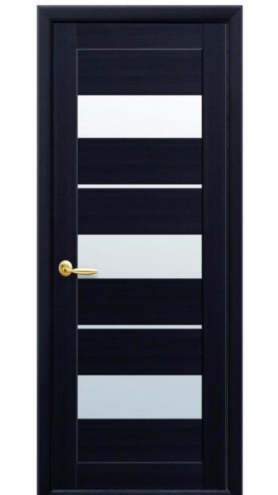 Сборная дверь со вставками из матового стекла
