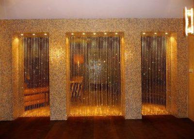 Нитевые занавески для декорирования и разграничения пространства в интерьере
