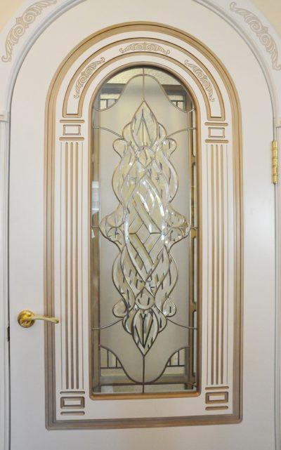 Межкомнатные двери с витражным фацетным стеклом