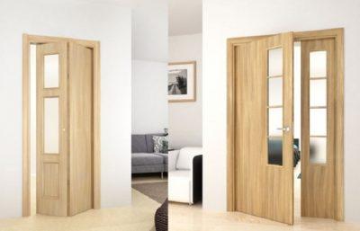 Трехстворчатая межкомнатная дверь с комбинированным механизмом