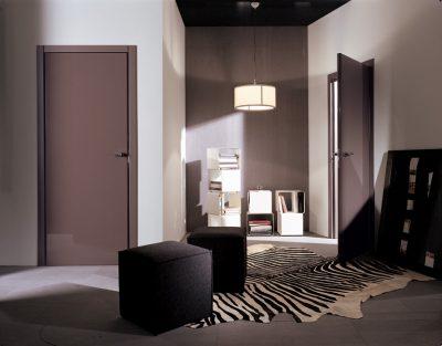 Левостороння дверь в дизайне интерьера помещения, которая отличается удобством для конкретных людей