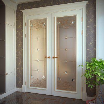 Двери с фацетным стеклом в интерьере
