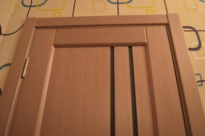 Покраска деревянных дверей: как и чем можно покрыть в домашних условиях