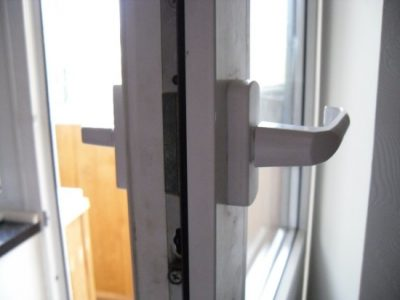 Заклинивание двери