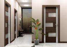 При выборе достойного варианта межкомнатной двери учитывают многие параметры