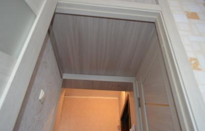 Отделка ПВХ-панелями в квартире