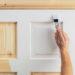 Как определить, как лучше всего защитить деревянные двери от негативного воздействия влаги